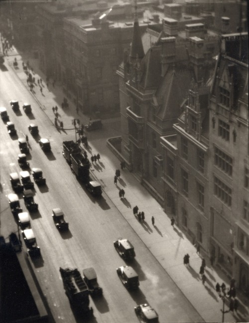 birdsong27:  Ralph Steiner Misty Day on Fifth Avenue, 1922