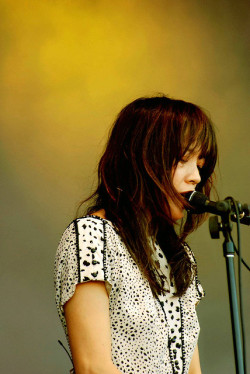 Blonde Redhead Gold by alex poulin on Flickr.Kazy Makino