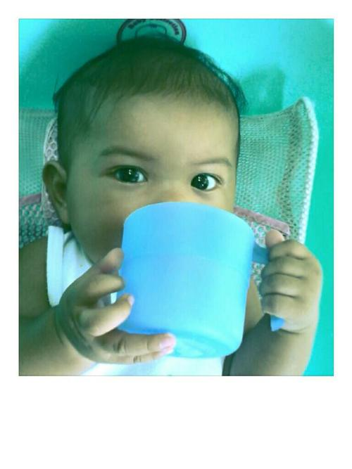 Look mom, I'm drinking :))) (wit my tabo/dipper) -Ake