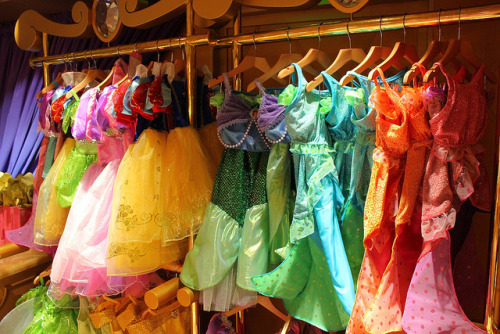 disneyforeverlives:  Bibbidi Bobbidi Boutique - Disney Fantasy by insidethemagic on Flickr.  I would have fucking died if this existed when I was little. Like, they would have a dead child on their hands. Because she got to be a princess for like, a few minutes or something before she bit it.
