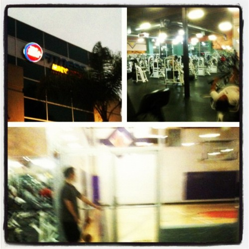 24 > LA fitness, always there for me, any time of the week ! (Taken with instagram)