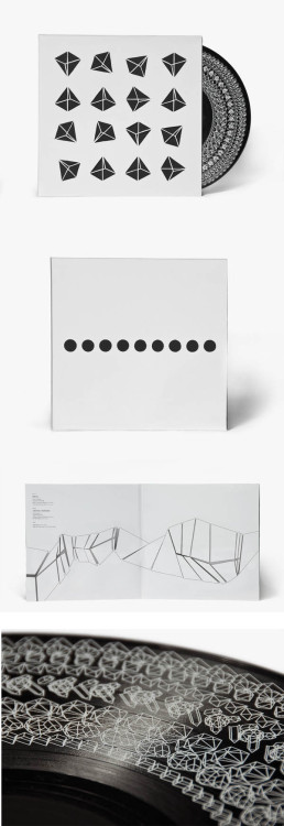 Vinyl cover with analog light animation by Michael Hansen. Simplicity, schematic, brilliant.