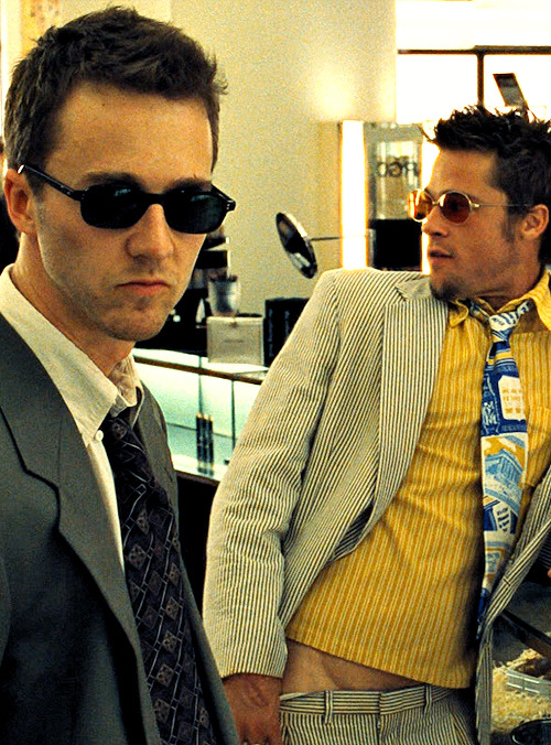 fassyy:  Edward Norton and Brad Pitt in Fight Club