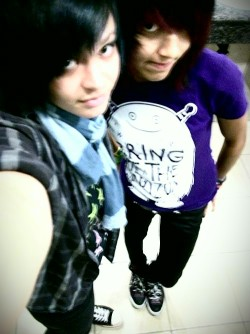 Me= blue hair Bestie= purple hair c: