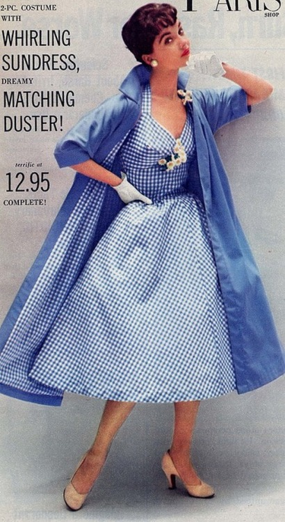 theniftyfifties:  A whirling sundress with a dreamy matching duster, 1950s.