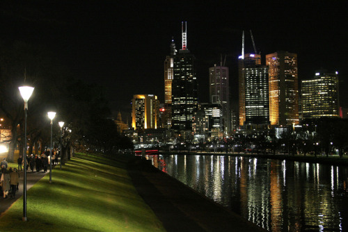 dinosawr:  Melbourne City at night. I dont know what it is about it, but I love the city at night especially when it rains. It  feels so refreshing and cold. I love that atmosphere.I love the summer days and summer nights also, but cold winter nights are great. Most of my best nights out were in winter. You dress up in a whole heap of clothes to keep warm, have to duck from rain and avoid getting frostbite. I just love it. I love Melbourne.