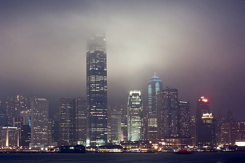 artpixie:  Foggy Night (by [Mr. Coffee])