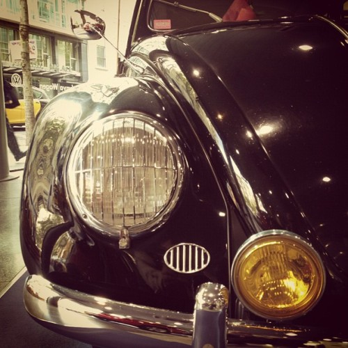 Old #Volkswagen #Beetle in #Barcelona. #car #retro #vintage  (Taken with instagram)