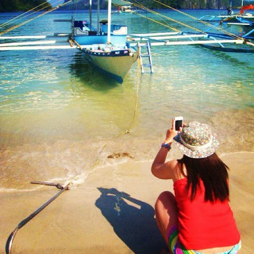 Picture Inception #beach #palawan #elnido #instagood #jj_forum #webstigram #statigram #squareready #asia #photooftheday #instamood #iphonesia #instadaily #igdaily #igersmanila #igerspinoy #philippines  (Taken with instagram)