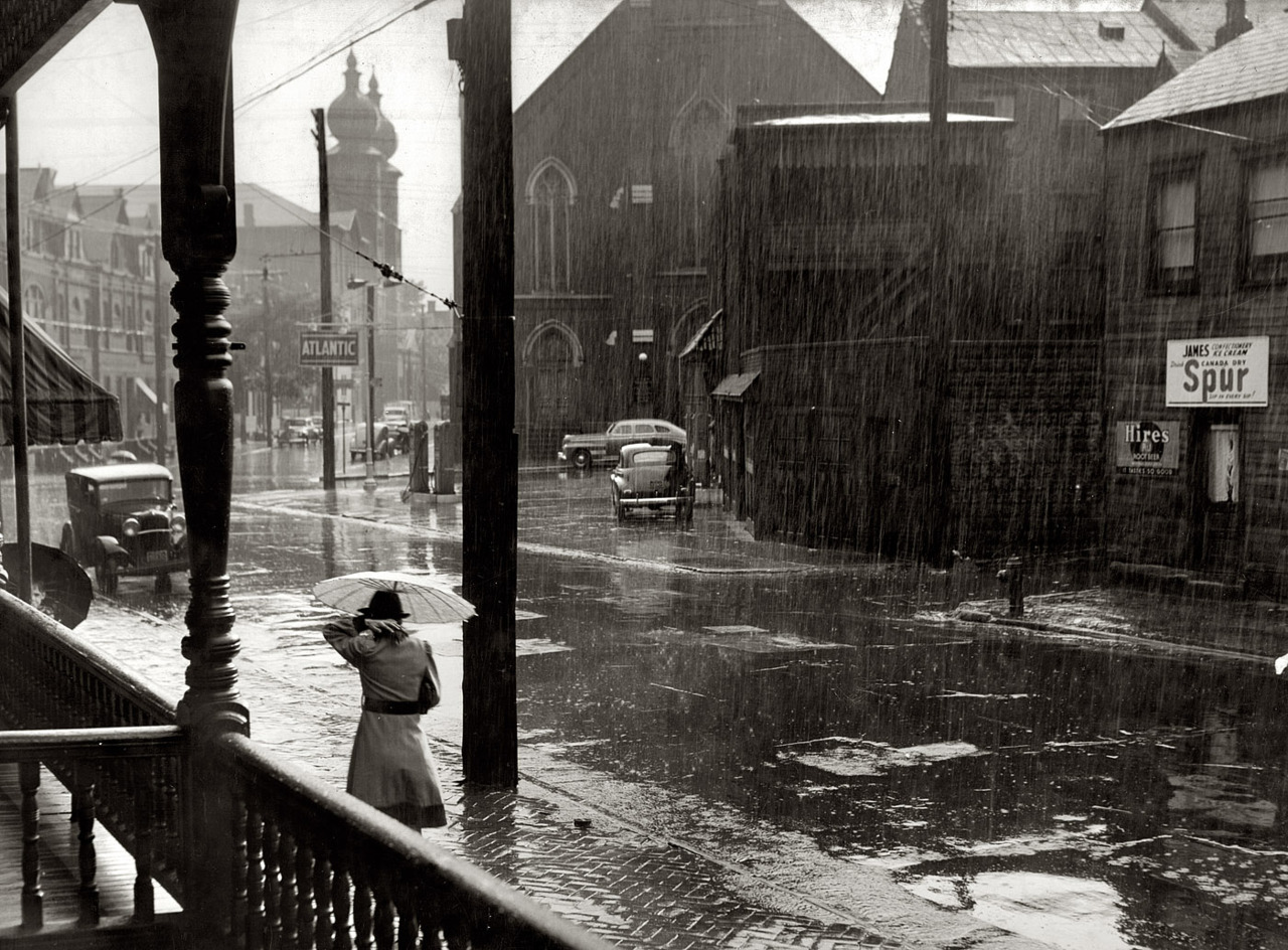 thepittsburghhistoryjournal:  Pittsburgh, 1941 [Shorpy]  From the comments:   This is the corner of Madison and Lockhart, looking west. The church with the onion domes is St. Mary's — Bavarian Catholic, believe it or not. You can't go and see this intersection anymore since it was destroyed in the 1980s so that the Parkway North could be built. The church is still there, although now it's a hotel.
