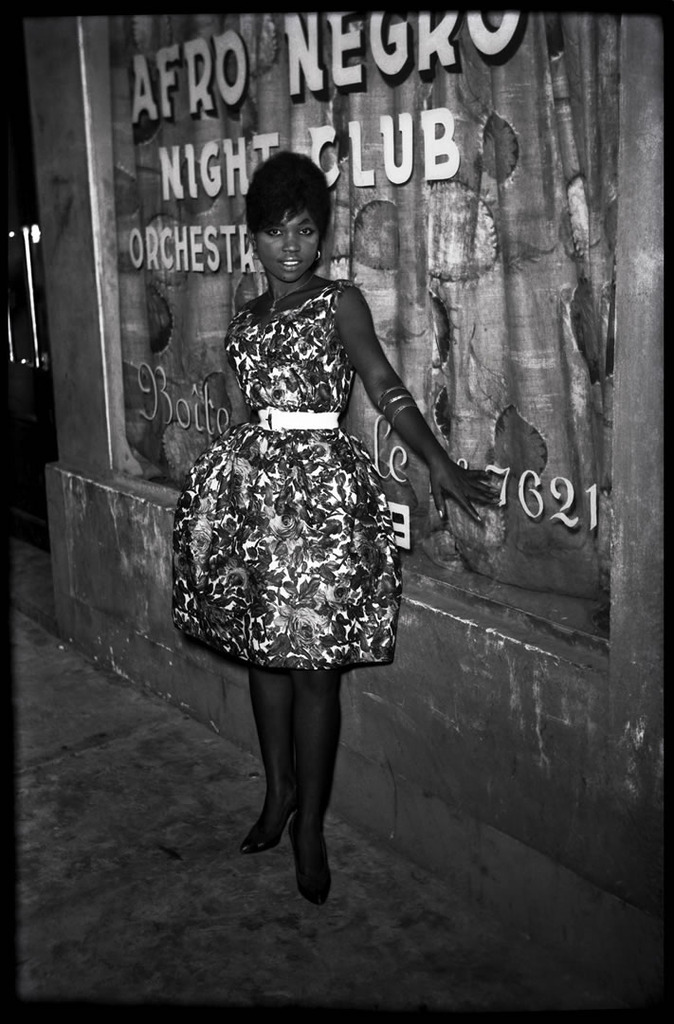 fashizblackdiary:  Photo par Jean Depara, Congo, années 60. / Picture by Jean Depara, Congo, Central Africa (in the sixties).