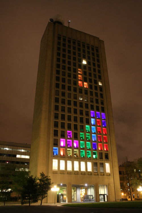 laughingsquid:  MIT Hack Turns Building Into a Giant Playable Game of Tetris