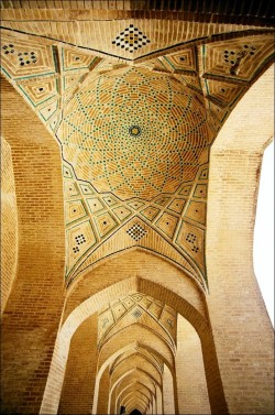 Vakil Mosque in Shiraz   ( Islamic Arts and Architecture )