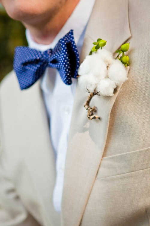 savedbysoutherncharm:  Cotton + Navy + Linen.