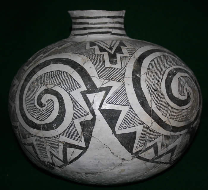 mondaysprojects:  Anasazi/MAnasazi/Mogollon Tularosa Black-on-White Olla