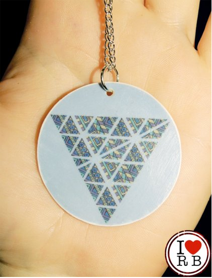 New piece - Patterned triangle necklace - £6