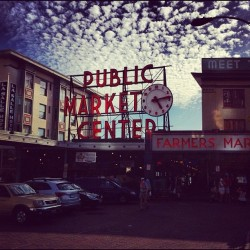 #instagood #iphone4 #clubsocial #jj #city #seattle #pikesplacemarket #pikes #pikeplace #northwest #pnw #adventure #soleil #bestigram (Taken with instagram)