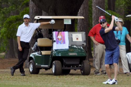 Hahaha, Stephen's face. This is when James tried to hit the ball FORWARD but it ended up flying to the right somehow.