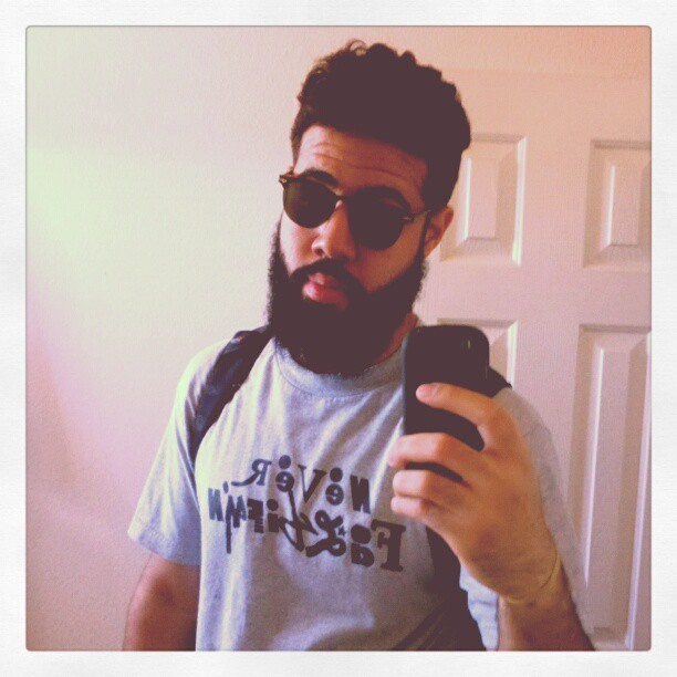 points-in-time:  Velvet curtain beard. #beard #beards #cheapglasses #monday #dictatorhair #ethnicpersonpictureday (Taken with instagram)