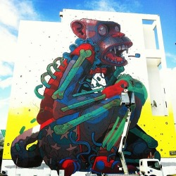 sirmitchell:  New ARYZ piece in Saint-Denis, Réunion