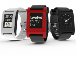 I want this soo Bad!  laughingsquid:  Pebble, A Customizable E-Paper Watch
