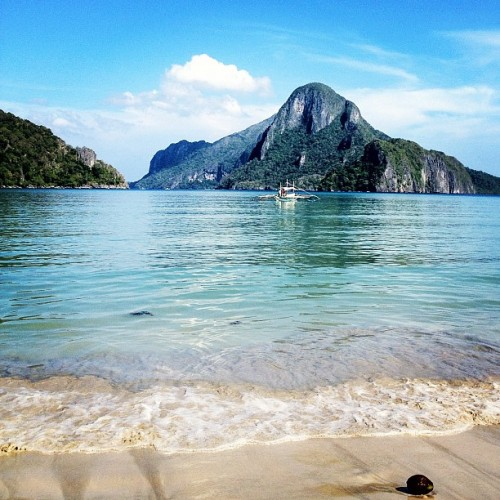 #beach #elnido #palawan #philippines #gf_swiss #bestoftheday #instagramhub #instagramers #tweegram #picoftheday #instagood #jj_forum #webstigram #statigram #squareready #statigram  (Taken with Instagram at El Nido Beach)