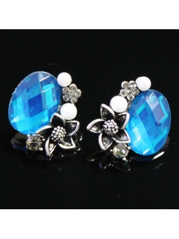 Blue earrings to enhance your beauty