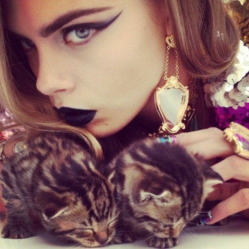 CARA DELEVIGNE x INSTAGRAM FIRST HIGH-FASHION SHOOT