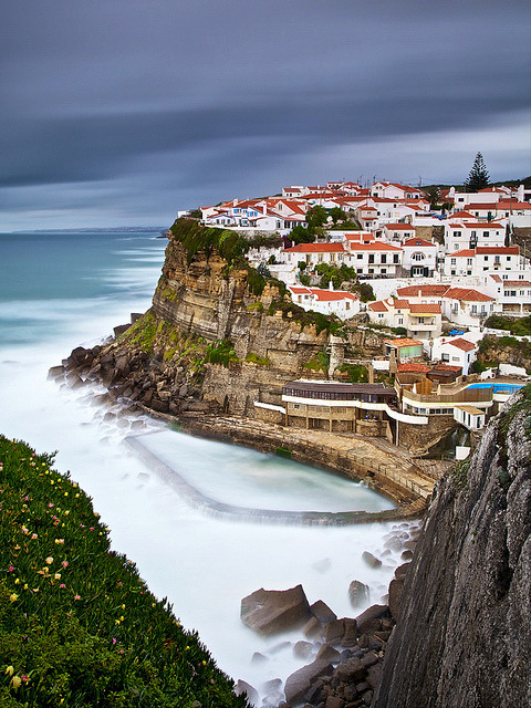 Azenhas do Mar by CResende on Flickr.