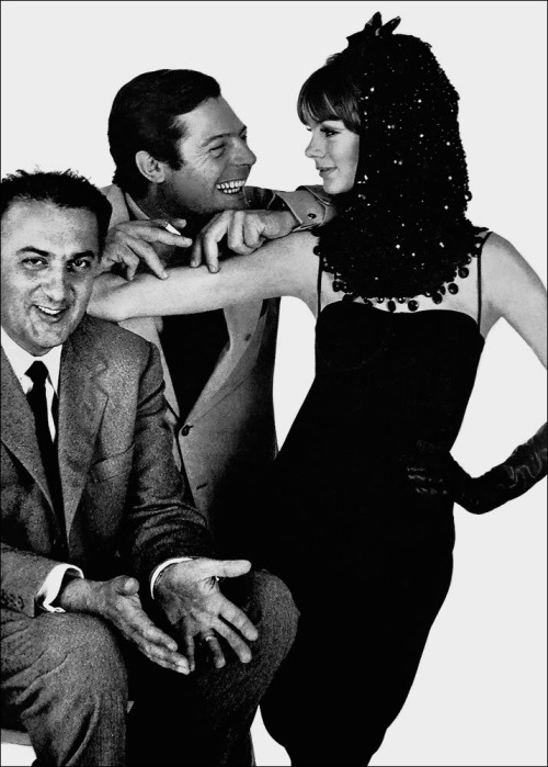mabellonghetti:  Federico Fellini, Marcello Mastroianni and Jean Shrimpton by David Bailey for Vogue Us 1963  What.