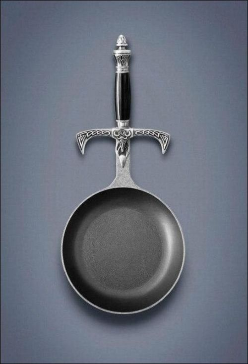 queenhalimeda:  succugeek:  This is a skillet for true warriors.  #to make the breakfast of champions !