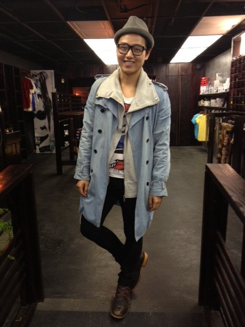 One of our very stylish customers: Leon, from London  We love everything about this outfit! Denim trench, thrifted boots, graphic tee, and black skinnies. Complete with an adorable smile.  *Photo taken by Jenn Kubat at 5th Stitch More cuties to come…