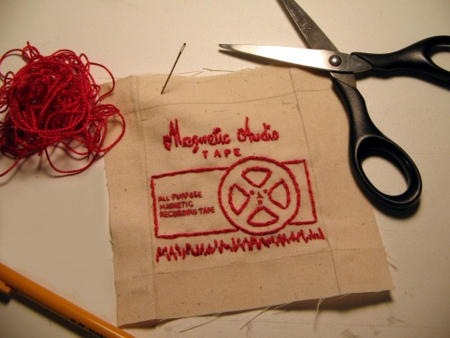 moddyboy80artsitup:  Embroidery inspired by an old box of reel to reel tape.