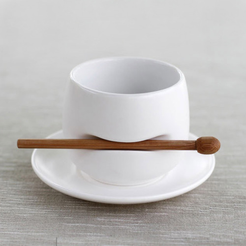 zen tea cup cosascool:  (via the fancy)