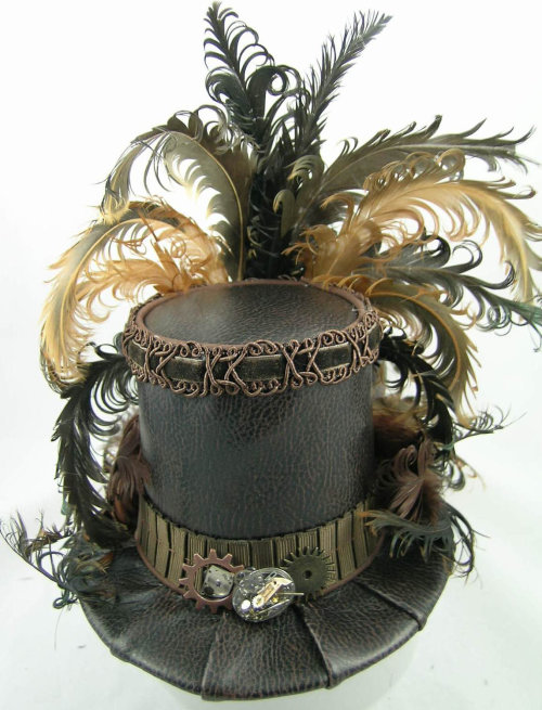 Gorgeous. Wish I knew millinery. I would go crazy with it.