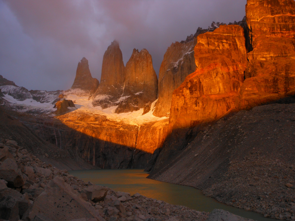 Sunrise in Torres del paine - Patagonia, Chile El amanecer en Torres del paine.  I waited, waited, and waited… in freezing weather befored the dawn