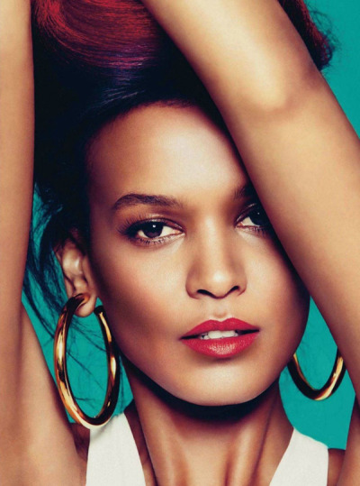 HAUTE: Liya Kebede one of the top 5 models of all time (in my opinion) is the cover girl for the May 2012 Harpers Bazaar, Spain.