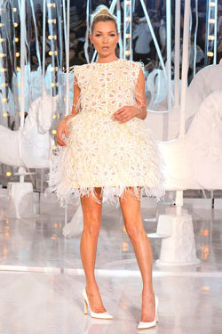 Kate Moss Louis Vuitton Spring 2012
