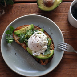 eathealthyrunfar:  Avocado Toast with Poached Egg. I want this for breakfast pweeease  Yum dilly-ish!!!