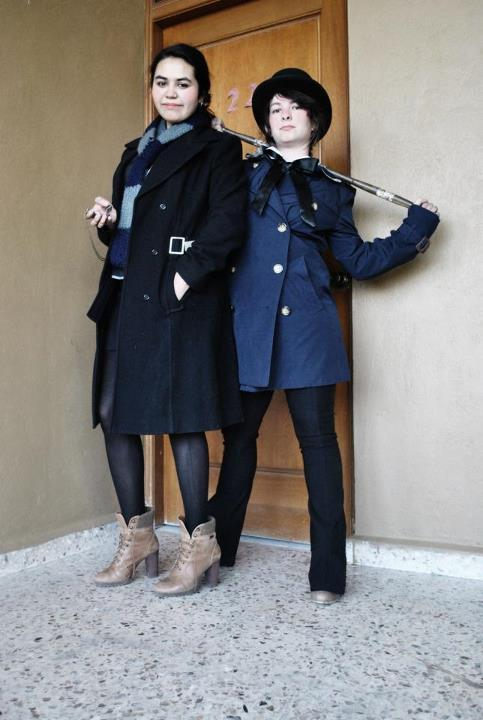 hellisendless:  This is i a picture of me and a friend dressed as sherlock and watson, because we decided last minute that we wanted to participare at a contest now if you could click here and like the picture so win can win the prize (books) i would love you 5eva  THIS IS A PUBLIC SERVICE ANNOUNCEMENT FOR THE SAKE OF ME (on the right) WINNING FREE BOOKS :D