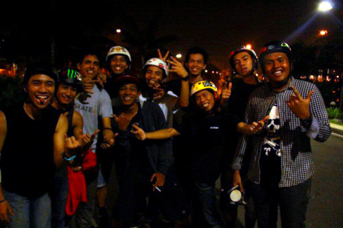 eastsidebarrio:  ESBxFTW!!!  These are my homies, my brothers, my crew. - farhiie