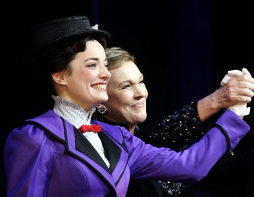 There's always will be only one Mary Poppins, but I really like Laura Michelle Kelly been Mary in the theather by scenes I saw on youtube. ^^