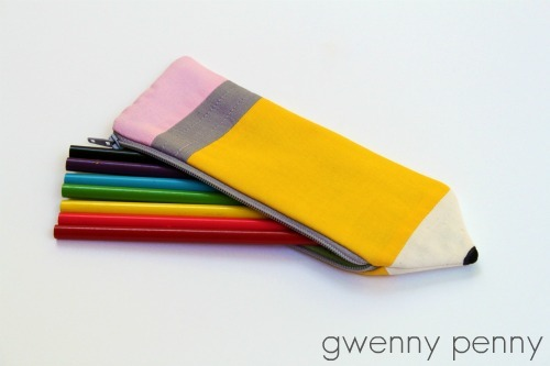 DIY: Pencil Pouch tutorial. Just follow the source to get the full tutorial