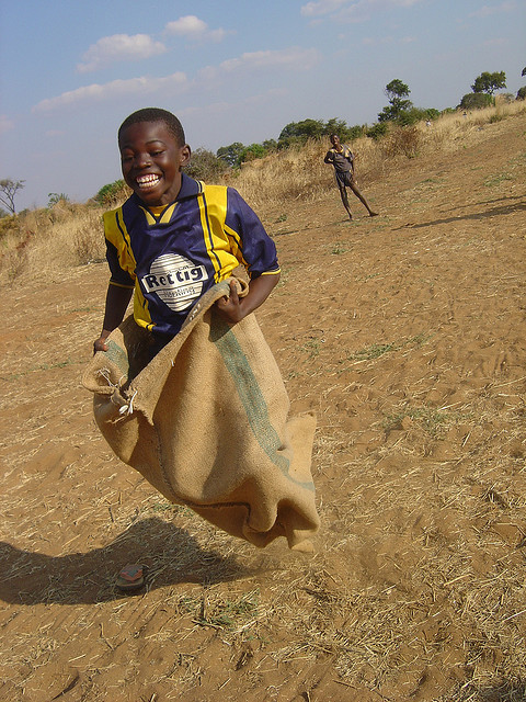 Sack race, Livingstone/Zambia by sportanddev on Flickr.