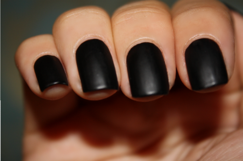 Great Idea!  thatcouldbeus:  clear nail varnish + black eyeshadow =  matte black nail varnish. and i love it!