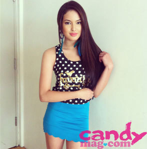 #CandyStyleStar @SarahLahbati loves high-waisted skirts. What are you wearing to the #CandyStyleAwards on May 4? :) (via 30 Days of Style: Style Stars | Candymag.com)