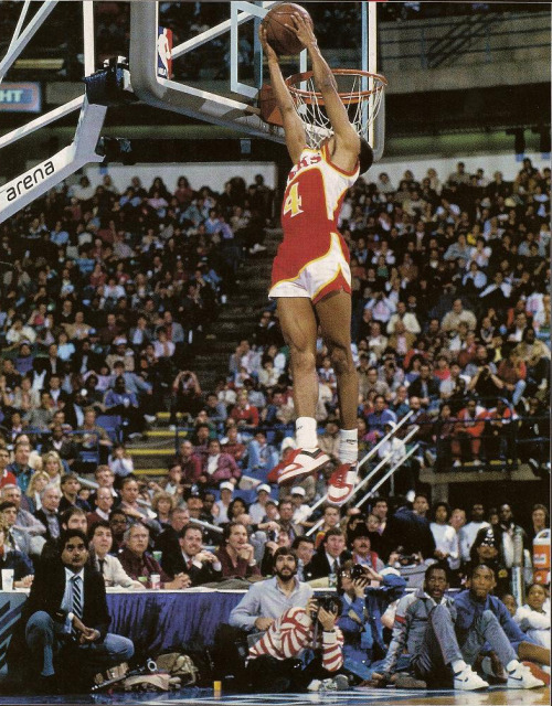 Spud Webb. (Slam Dunk. Dallas, 1986)