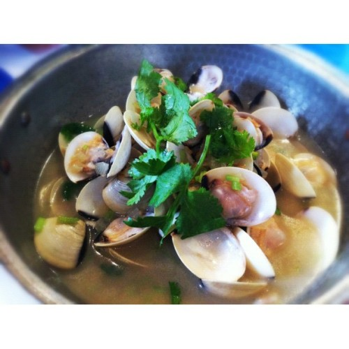 Sautéed clams with garlic in white wine sauce #food #portuguese (Taken with Instagram at Macau Fisherman Wharf)