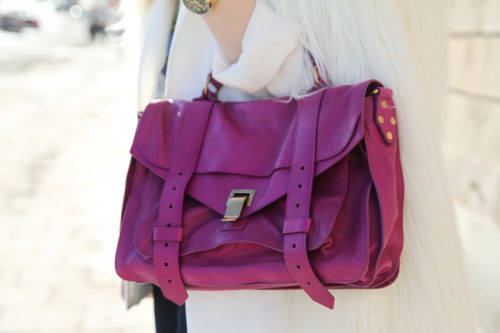 xoxonicole:  Forever love this bag!