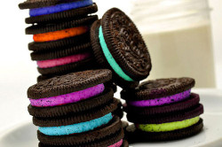 livelovekissquotes:  OREOS  http://livelovekissquotes.tumblr.com/